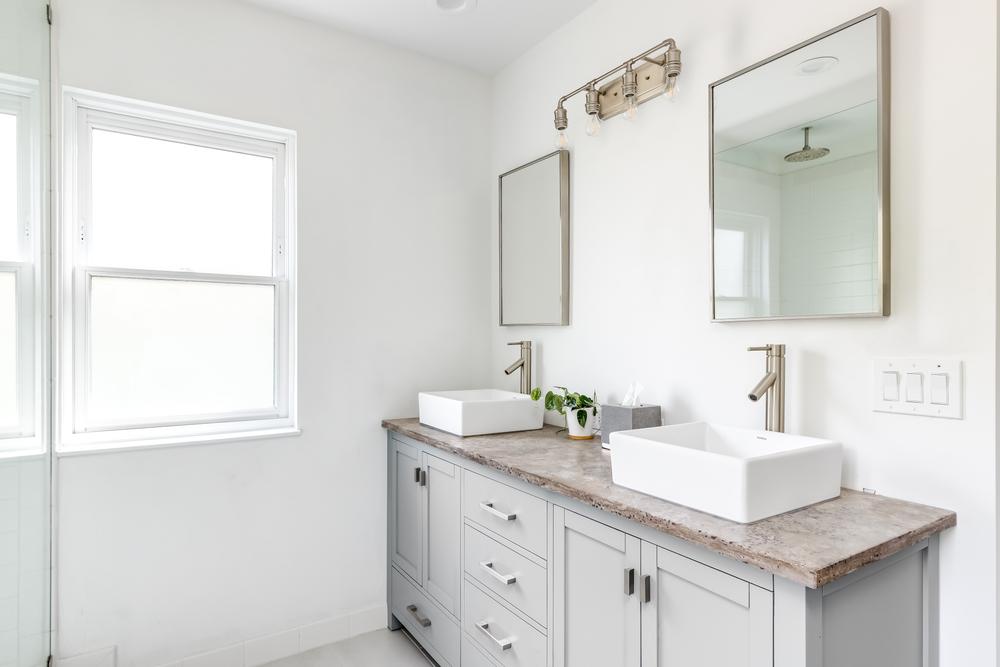 Choosing the Best Countertop for Your Bathroom Vanity